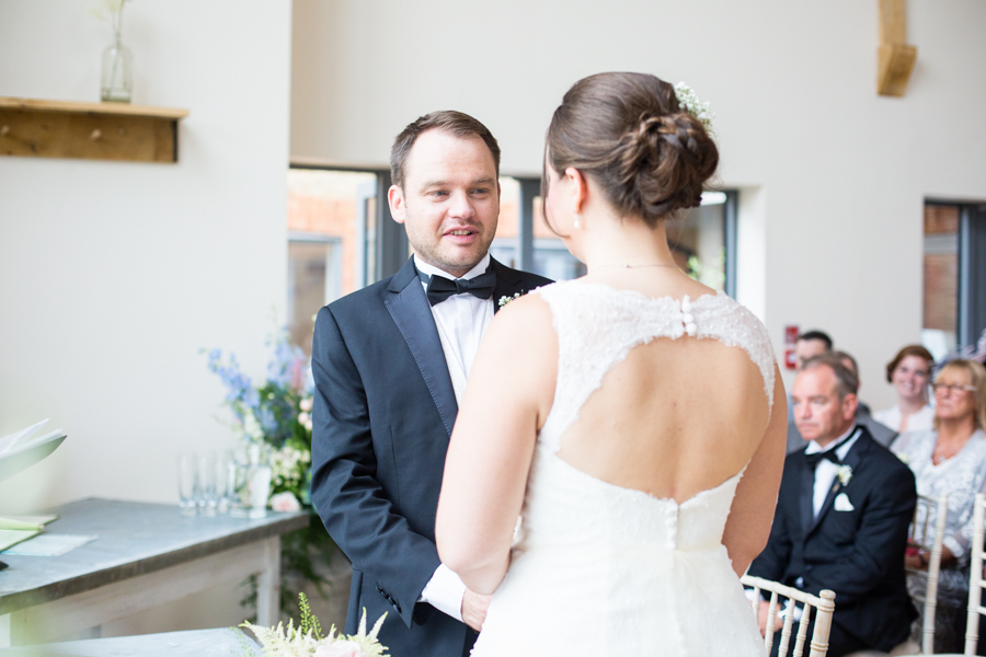 Millbridge_Court_Wedding_Photographer -016