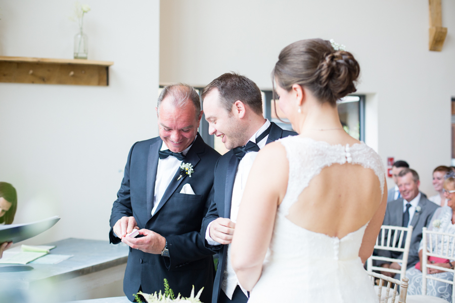 Millbridge_Court_Wedding_Photographer -017