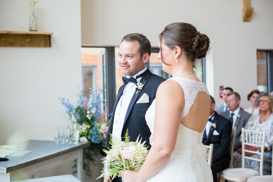 Millbridge_Court_Wedding_Photographer -019