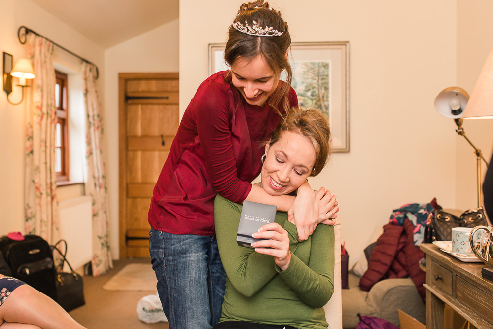 bride gives mum a wedding day gift