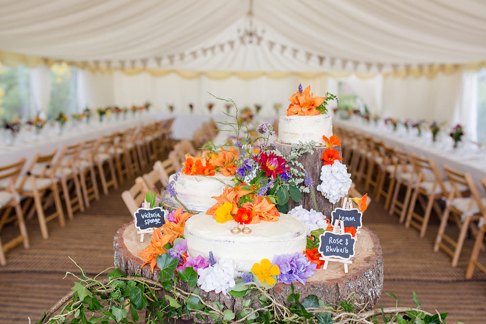 DIY wedding cake table