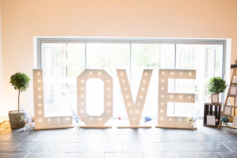 Millbridge_Court_Wedding_Photographer -001